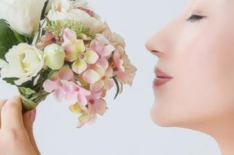 心を温める香りと感情の波を穏やかにする香り~ローズウッドとパルマローザ~