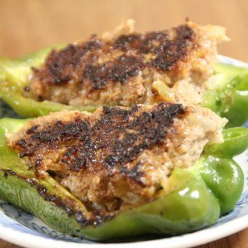 【漢方薬膳レシピ】巡りと潤いの松の実入り肉詰めピーマン